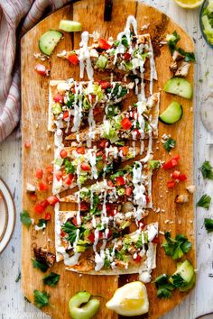Chicken Gyro Flatbread Pizzas – these are amazing and SO quick and easy! An explosion of flavors and textures with the most flavorful Greek Chicken and easy Blender Tzatziki! Great for lunch/dinners or for appetizers and entertaining! Greek Recipes, Light Recipes, Clean Recipes, Cooking Recipes, Flatbread Pizza Recipes, Grilled Flatbread, Flatbread Sandwiches, Chicken Marinade Recipes, Chicken Marinades