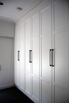Best white bedroom wardrobe built ins Ideas Bedroom Built In Wardrobe, White Wardrobe, Closet Bedroom, Bedroom Storage, White Closet, Modern Wardrobe, Wardrobe Closet, Bedroom Cupboards, Home Improvement Loans