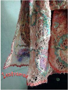 Detalhe echarpe salmão. Curta nossa página no facebook : Isatramas  www.isatramas.com.br