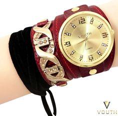 Relógio Bracelete de Couro Feminino  Visite nossa FanPage : https://www.facebook.com/Passarella-Brasil-212170078859412/?fref=ts  Visite nosso site: www.passarellabrasil.com.br   #passarellabrasil  #relógiovouth  #vouth #courovermelho