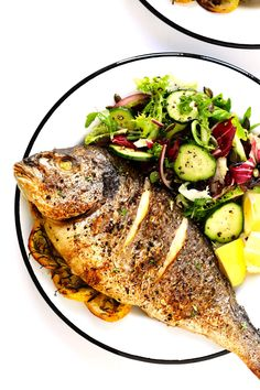 It& easy to make with mahi mahi, sea bass, branzino, red snapper, Fish Dishes, Seafood Dishes, Seafood Recipes, Cooking Recipes, Healthy Recipes, Cooking Games, Seafood Platter, Cooking Ribs, Cooking Turkey