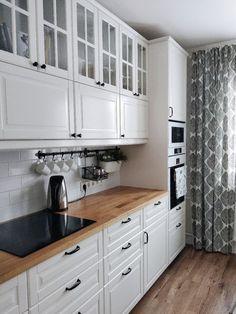 Galley Kitchen Design, Kitchen Room Design, Home Decor Kitchen, Interior Design Kitchen, Modern Kitchen Design, New Kitchen, Home Kitchens, Cuisines Design, Küchen Design