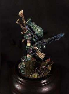 Eldar Wraithguard by Eric 'Flunk' McCartney · Putty&Paint Warhammer Figures, Warhammer Paint, Warhammer Models, Warhammer 40k Miniatures, Eldar 40k, Dark Eldar, Warhammer 40000, Minis, Fantasy Model