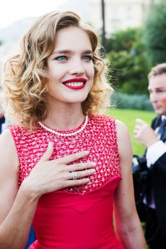 Natalia Vodianova- #red illusion neckline dress topped off with a pretty #pearl necklace