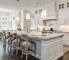 Beautiful kitchen design by Artistic Tile