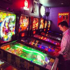 The 1up – Colfax features 50 Classic Arcade Games, 15 Pinball Machines and also includes a live music venue.