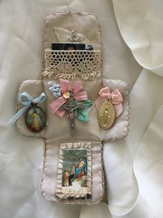Pocket Shrine by Storm Janaszak Catholic Crafts, Catholic Kids, Religious Icons, Religious Art, Faith Crafts, Prayer Corner, Blessed Mother, Sacred Heart, Kirchen