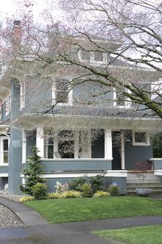 House Tour: An 1910 Portland Home Decorated From Scratch House Exterior Color Schemes, Grey Exterior, House Paint Exterior, Exterior Colors, Exterior Homes, House Outer Design, Four Square Homes, Outside Paint, Fairytale House