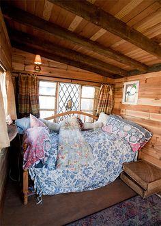 cozy woodland gypsy room via leela cyd