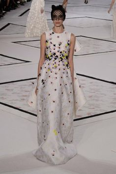 Los Oscar son para brillar: 15 vestidos para conquistar la alfombra roja (via Bloglovin.com )