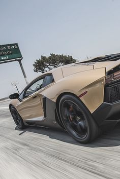 Lamborghini Aventador LP700-4 by Ted7