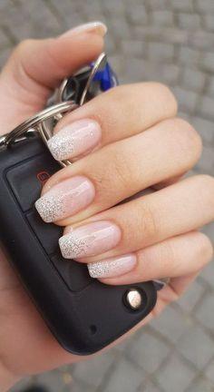 Nageldesign - Nail Art - Nagellack - Nail Polish - Nailart - Nails Pretty Winter Nails Designs T Chic Nail Art, Chic Nails, Classy Nails, Chic Nail Designs, Winter Nail Designs, Spring Nail Art, Spring Nails, Summer Nails, Cute Acrylic Nails