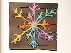 DIY snowflake art craft for kids - watercolors and salt! Art For Kids, Crafts For Kids, Arts And Crafts, Salt Watercolor, Salt Art, Snowflakes Art, Snow Flakes Diy, Winter Games, Winter Art