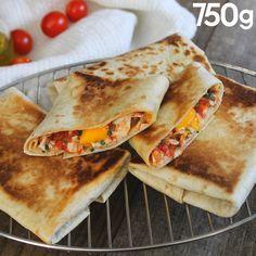 Wrap grillé au poulet et au fromage Bread Substitute, Croque Monsieur, Appetisers, Quesadilla, Yummy Snacks, Wrap Sandwiches, Quick Meals, Food Videos, Food Dishes