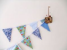 Making bunting for wedding decoration  http://www.myhomemadehappy.com/tutorial-how-to-make-bunting/