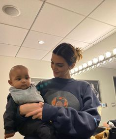 Kendall Jenner shared sweet photos of herself babysitting Psalm and Saint West. She asked in the caption if she should start a family with her friend Fai Khadra to her family's approval Jenner Kids, Jenner Family, Kardashian Family, Kardashian Jenner, Kardashian Kollection, Bella Hadid, Kendall E Kylie Jenner, Kendall Jenner Instagram, Claudia Tihan
