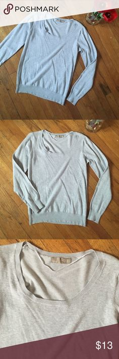 Zara Gray sweater Gently used , no stains, no damage. Size states XL , but fits more like a Medium. Zara Sweaters