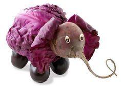 Elefante remolacha L'art Du Fruit, Fruit Art, Fruit Cakes, Veggie Art, Fruit And Vegetable Carving, Veggie Food, Vegetable Decoration, Food Decoration, Edible Food