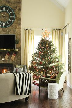 Less-Than-Perfect Life of Bliss: Christmas Home Tour 2015