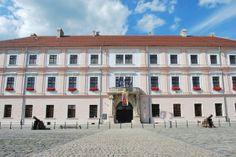 Palača Slavonske Generalkomande, the old palace of the Slavonian Military, in Tvrđa, the old town section of Osijek. It currently houses the University of Osijek's administration and faculty of agriculture. It is featured on the 200 kuna banknote.