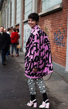 On The Street…. Milan Discovers Pink, Milan