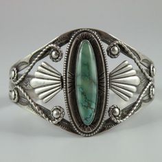 Vintage-Native-American-Turquoise-Sterling-Silver-Cuff-Bracelet