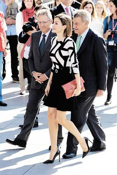 misshonoriaglossop:  Queen Letizia attended Spanish Red Cross Day, October 2, 2015