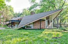 John Edgar Barthel (1923-2011) House. Built in '59 in Northeast Dallas, one of several homes in the neighborhood built by the architects who actually lived in them and the recipient of a 2002 American Institute of Architects award. The house belonged: John Barthel, who, in 1952, moved to Dallas from Chicago to work with George Dahl; and who designed the St. Pius X church and rectory in the mid-1960s.