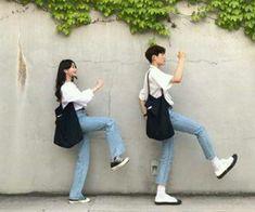 New wedding couple korean 40 ideas Korean Wedding Photography, Couple Photography Poses, Senior Photography, Matching Couple Outfits, Matching Couples, Cute Couples Goals, Couple Goals, Ullzang Girls, Korean Couple Photoshoot