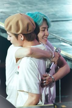 """Theard Best Friend Goals ""VMIN"": For all Jimin biased and Taehyung Biased (Vmin shippers) BTS Vmin, Foto Bts, Bts Photo, Park Ji Min, Billboard Music Awards, Bts Boys, Bts Bangtan Boy, Jikook, Frases Bts"