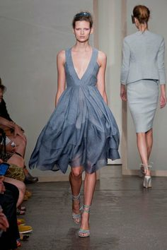 Donna Karan Spring 2013 - love the flowing fabric