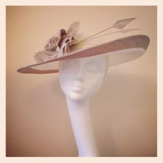 Cream & Beige Hatinator for Weddings, Races, Ascot and formal occasions!  www.racinghathire.co.uk