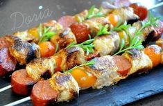 Kebabs of Tenderloin, chorizo and yellow cherry tomatoes - Brochettes de filet mignon, chorizo et tomates cerises jaunes - La cuisine de Doria Bbq Ribs, Pork Ribs, Filet Mignon Chorizo, Skewers, Kebabs, Sin Gluten, Cherry Tomatoes, Yellow Tomatoes, Pork Recipes
