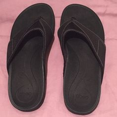 Abeo Sandals - Worn Twice! These high quality stylish sandals are super supportive AND comfortable. Terrific for around-town or for times you'll be on your feet a lot. You can't live without these! Abeo Shoes Sandals