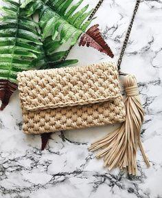 knitting bag Crochet Cute Bags, Beach Bag, and Handbag Image Pattern for 2019 - Daily Crochet! Crochet Clutch Bags, Crotchet Bags, Crochet Tote, Crochet Handbags, Crochet Purses, Knitted Bags, Beach Crochet, Crochet Clutch Pattern, Pattern Sewing