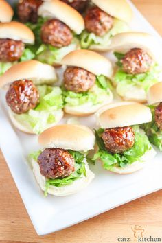 Chinese Meatball Sliders | Catz in the Kitchen | catzinthekitchen.com #sliders @chelslovesjosh
