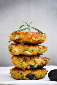 Lentil Patties with Olives and Herbs #vegetarian #recipe