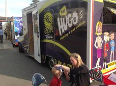 Face painting on a sunny day #HUGOBUS