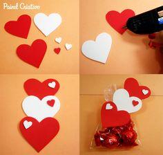 Lembrancinha de eva: Muito fácil para você fazer Foam Crafts, Diy And Crafts, Crafts For Kids, Paper Crafts, Valentines Day Decorations, Valentine Day Crafts, Love Gifts, Diy Gifts, Felt Christmas Ornaments
