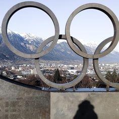 """""""Nothing can substitute for just plain hard work.""""  Andre Agassi  Ein toller Moment als wir bei der #WinterLawSchool in #Innsbruck von der #Bergisel Schanze auf die Stadt blickten und den noch immer vorhandenen sportlichen wie olympischen Geist spürten. Keiner der Gewinner trug zufällig den Sieg davon; keiner von ihnen wurde über Nacht zum Profi keiner davon hatte eine Abkürzung zum #Erfolg. Alle hatten etwas gemeinsam nämlich: Einfache harte Arbeit. Finde ich immer sehr inspirierend wie…"""
