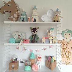 shelf//decor..