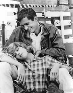 """• Simple style heroes • Jane Fonda et Tony perkins sur le tournage de """"Tall Story"""" en 1960."""