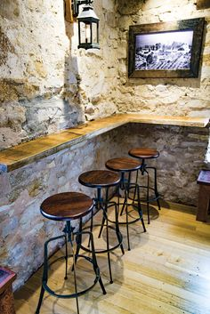 Coleman Spinner at Hahndorf Inn– Hahndorf | Concept Collections