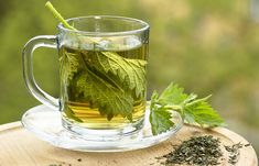 Nettle tea is often prescribed by doctors to improve kidney disease patients renal function. How does nettle leaf tea increase kidney function? In this article, you will learn the relation between nettle tea and kidney function. Nettle and Foot Remedies, Herbal Remedies, Health Remedies, Natural Remedies, Herbal Cure, Herbal Teas, Natural Cleanse, Natural Healing, Natural Herbs