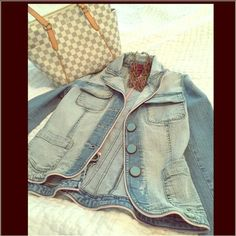 Denim faded wash jacket- so girly! From American Girl Wax Jeans. This is such a unique, girly denim jacket. Features blush pink piping and the most gorgeous aqua buttons. The back is so beautifully tailored so that the pleating will flatter your body. Has a faded wash. Absolutely no signs of wear, odors, damage or stains. Ask any questions. Will bundle!  Wax jeans  Jackets & Coats Jean Jackets