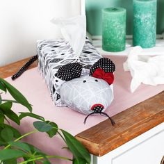 Kosmetik Box, Planter Pots, Sewing, Diy, Blog, Sofa, Cute Mouse, Small Bags, Sew Bags
