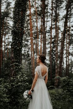 The lovely Anamaria wearing our romantic Dalia dress in this bohemian picture made by Diana Costea. We love our brides! Bohemian Pictures, Divine Atelier, Couture Details, Romantic Weddings, Feminine, Glamour, Celebrities, Wedding Dresses, Diana