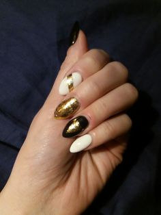 #black #white #gold #nails #newyear #manicure