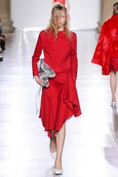 Marques'Almeida Fall 2015 Ready-to-Wear Fashion Show: Complete Collection - Style.com