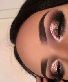 Augenbrauen Related posts: Pink, Gold und Schwarz Lidschatten Look … 33 new Ideas for makeup eyeshadow brown eyes prom eyebrows Ideas For Makeup Eyeshadow Brown Eyes Eyebrows Eyes Liner Makeup Eye Looks, Cute Makeup, Glam Makeup, Gorgeous Makeup, Pretty Makeup, Skin Makeup, Makeup Inspo, Eyeshadow Makeup, Foil Eyeshadow